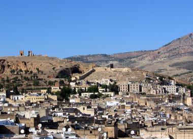 Pohled na marocké město Fès